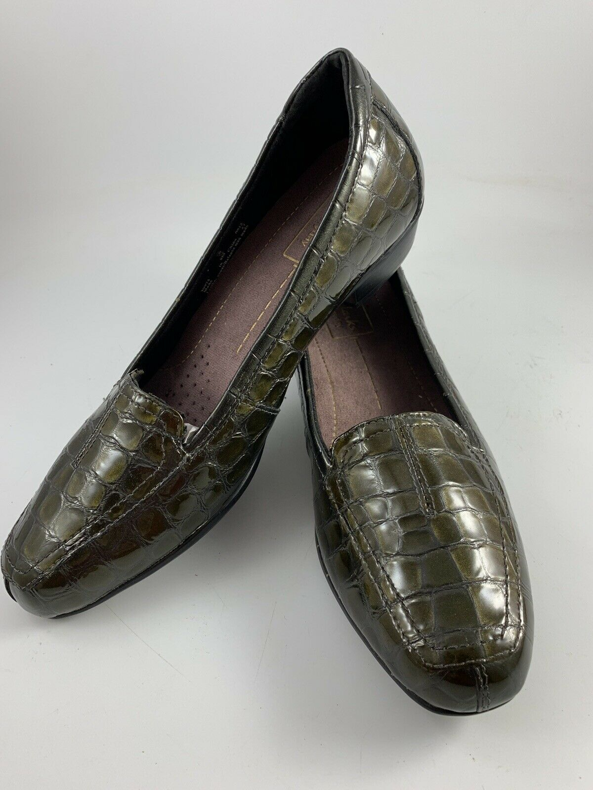 588dc575922 Clarks everyday loafer womens bronze gator or animal print leather jpg  1200x1600 Gator loafers