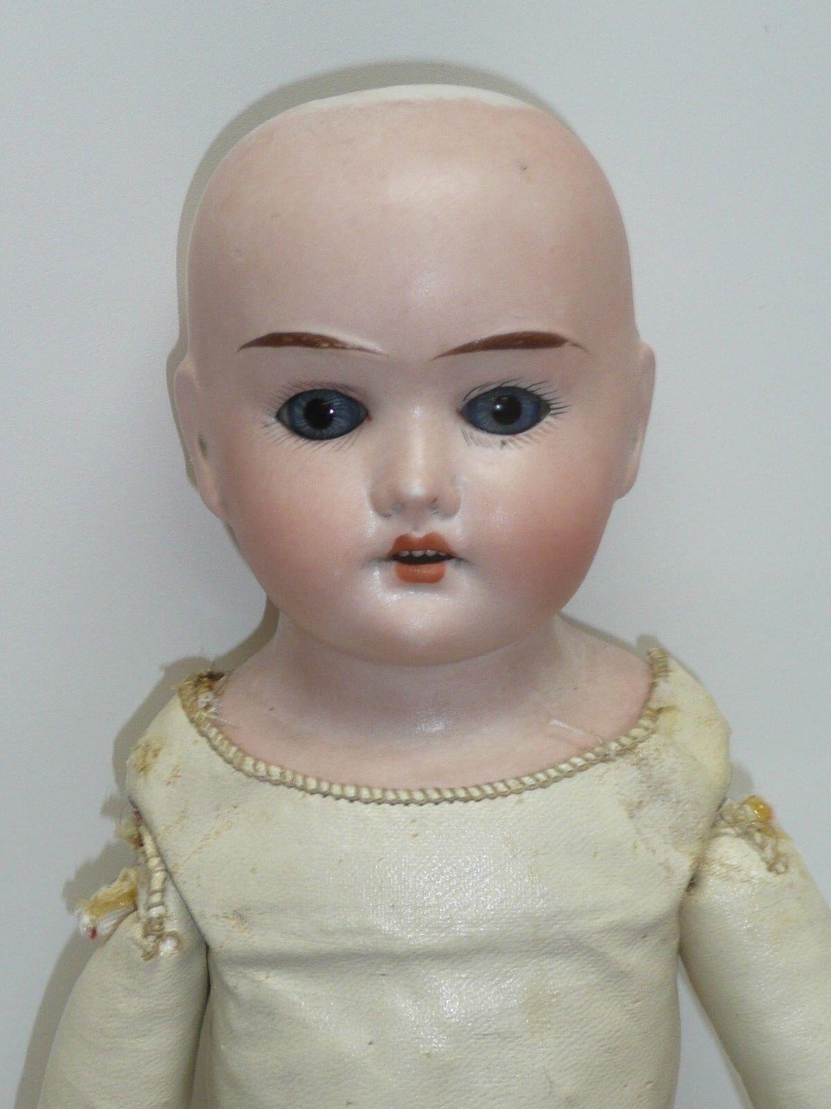 15.5  Antiguo Alemán Cuno, Otto & bucear Biscuit muñeca, ojos azules estacionario