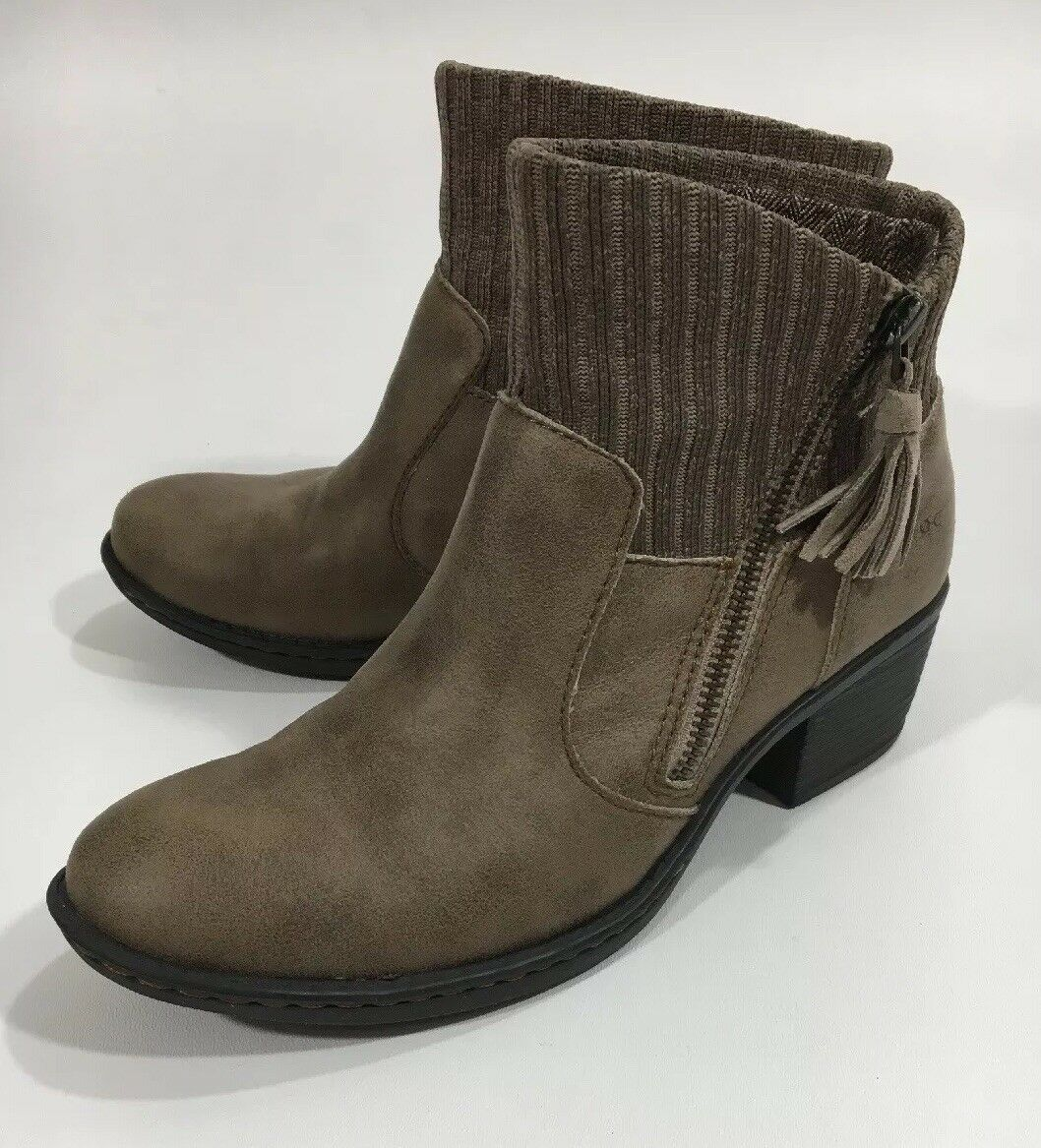 EUC Womens Born B.O.C. 6M Bendell Ankle Boots Sweater Z26717