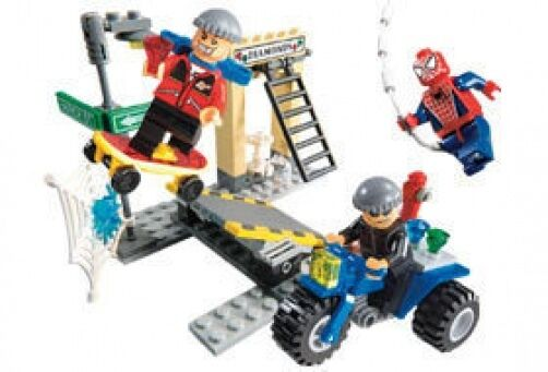 LEGO 4853 - SPIDERMAN - Spider-Man's Street Chase - 2004 - NO BOX