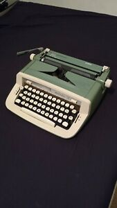 Royal Sabre Typewriter 1970's perfect working condition