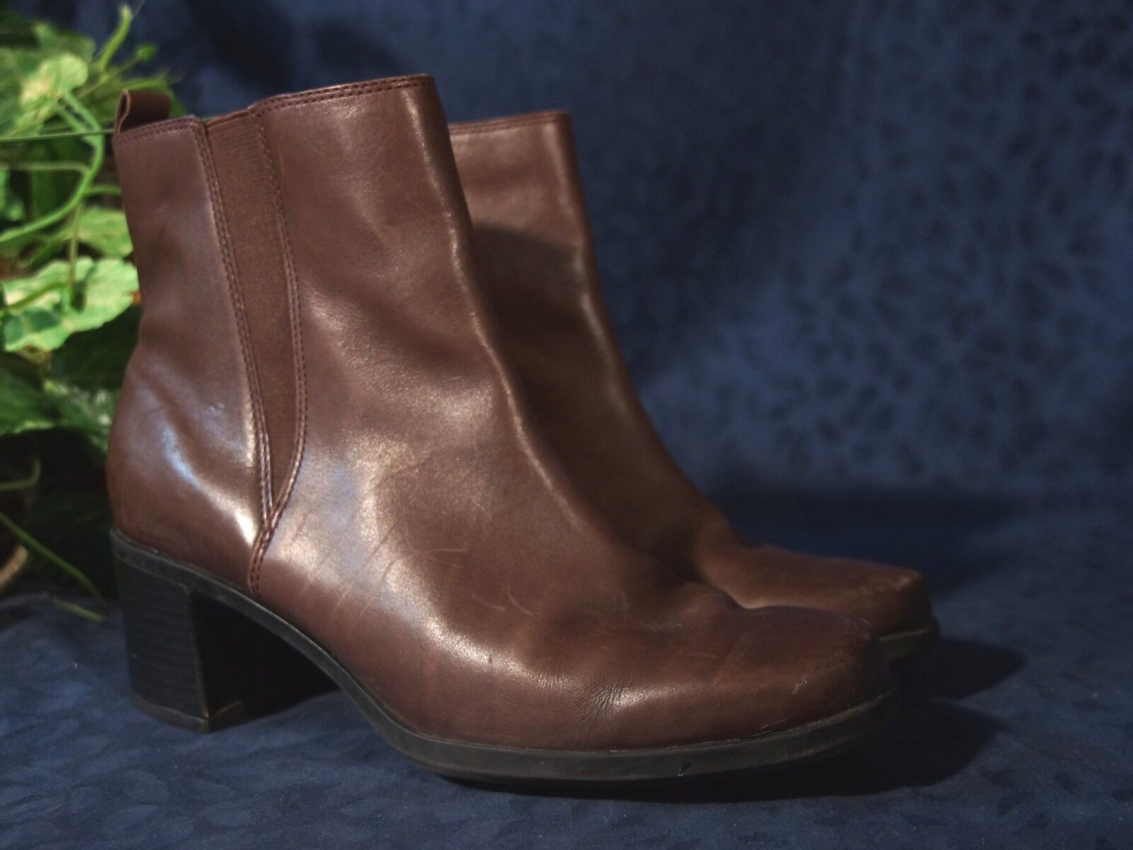 Extremely Nice Medium Brown Leather CLARKS Boots Side Zip  Ankle Boots CLARKS Sz 7.5 M 814852
