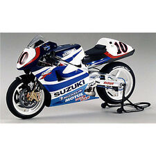 TAMIYA 1/12 SUZUKI RGV-Gamma (XR89) MOTORBIKE GP500 ROBERTS Jr MODEL KIT 14081