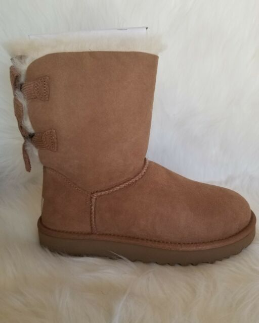 8f031b9ab83 UGG Australia Bailey Bow Corduroy Genuine Sheepskin Boot Size 5