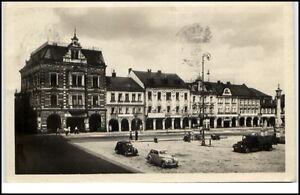 Rumburk-Tschechien-Postkarte-1950-Stadtpartie-LKW-Autos-alte-Gebaeude