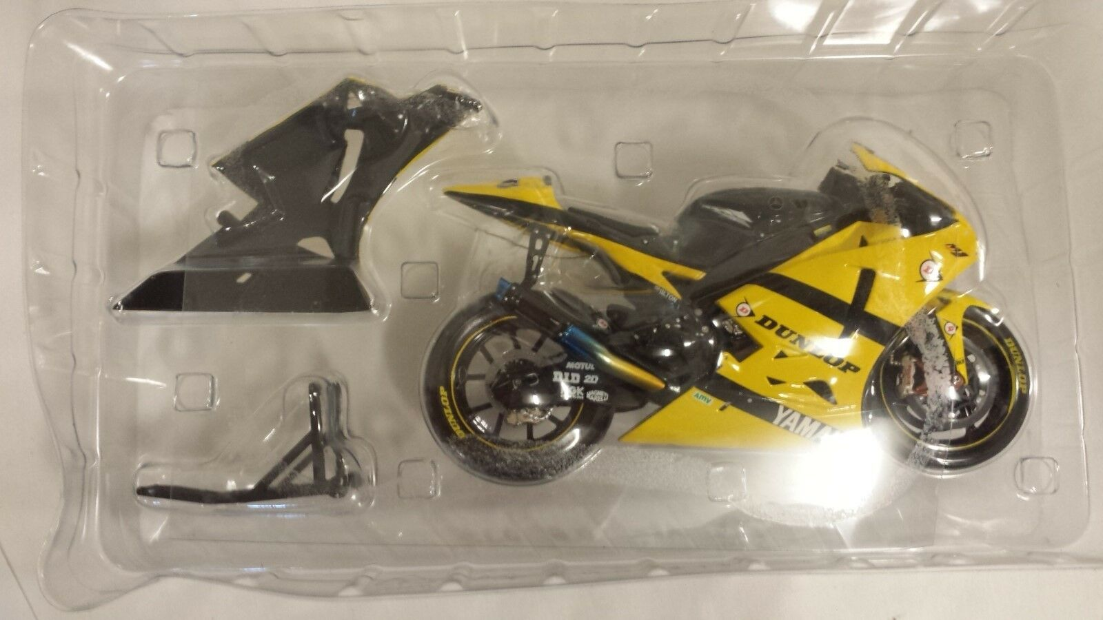 Makoto Tamada.Yamaha YZR -M1.Tech3 Yamaha team.MotoGP 2007.Minichamps 1  12