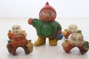 Original-Vintage-Toy-Dwarf-Saddles-Celluloid-GDR-Caravan-1970er-Plastic