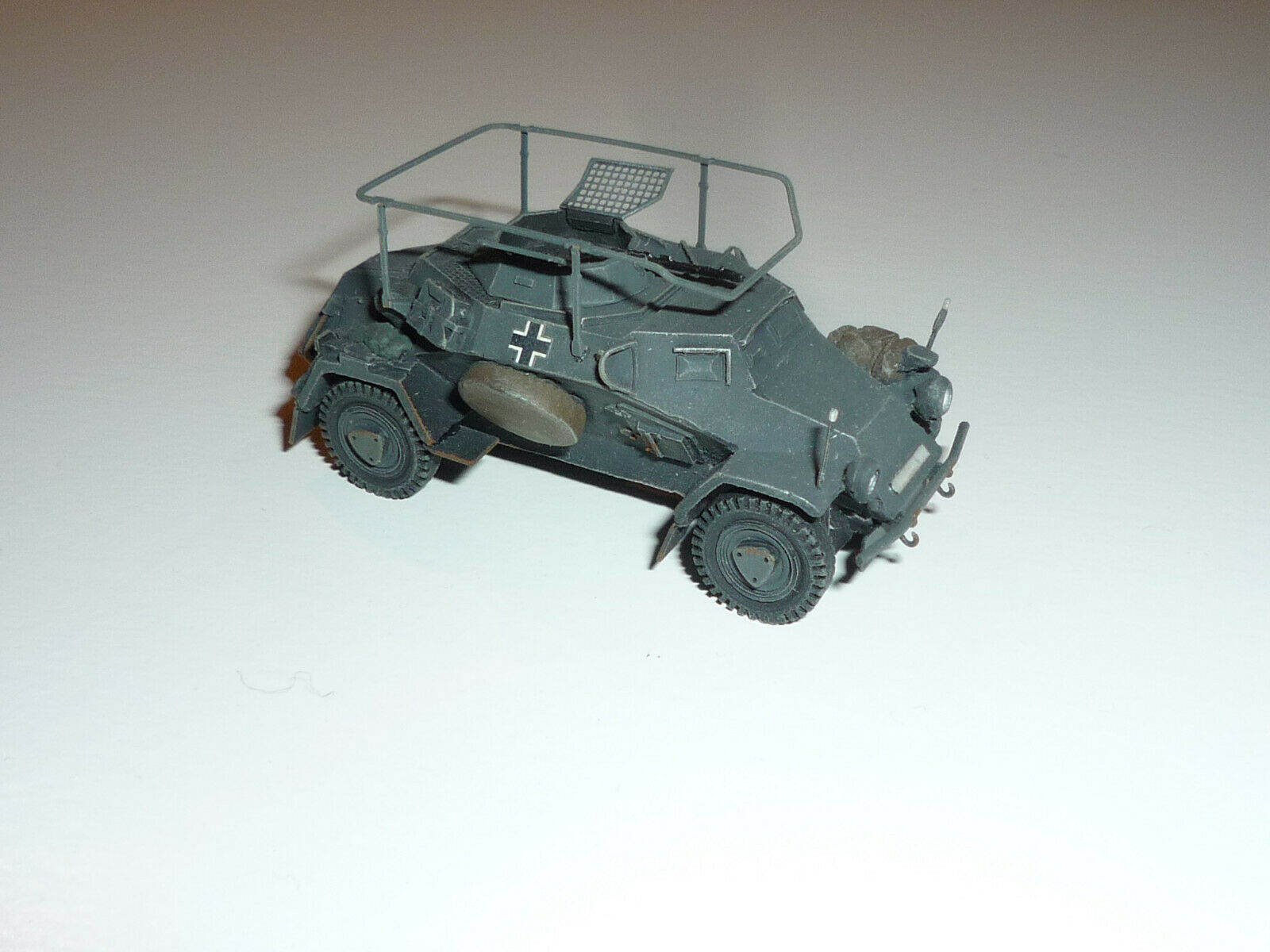 Artitec 1 87 - 387.106-GR SD. Kfz 223, 4-rad, radio Car, MG34, Grey-X448X