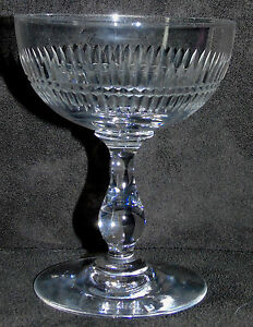 Baccarat-Coupe-a-champagne-en-cristal-taille-taille-biseaux-coupes
