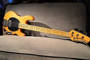 new ernie ball musicman stingray classic 4 natural gloss electric bass guitar 889406420205 ebay. Black Bedroom Furniture Sets. Home Design Ideas