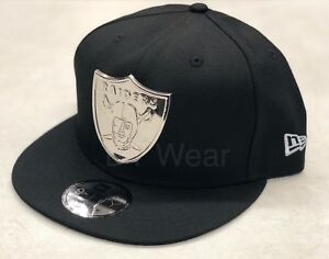 ab9f9b2879cf0d New Era Oakland Raiders Black Silver METAL BADGE 9FIFTY Snapback Hat ...