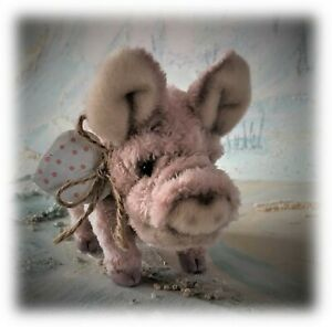 Faux-Fur-Micro-Piglet-Pig-OOAK-jointed-Artist-Bear-one-off-Designer-Gill-Boulter