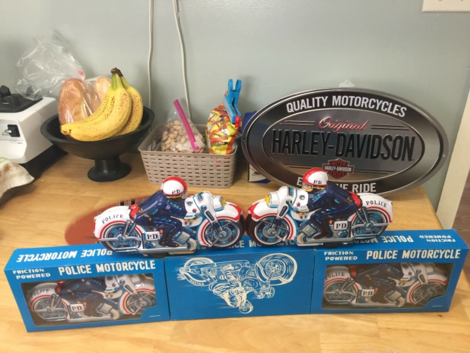 Lot 12 police motorcycle friction tin toys 1960 japan plus o2 metal sign Harley