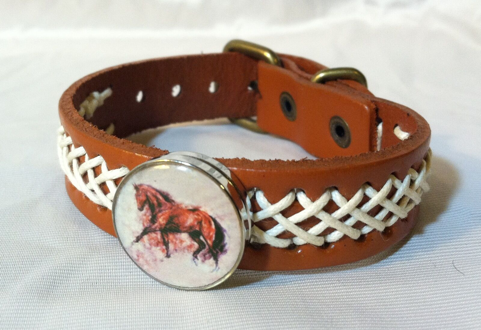 HORSE SNAP & LEATHER Twine Stitch BRACELET 18-20MM BAY HORSE TredTING BUBBLES