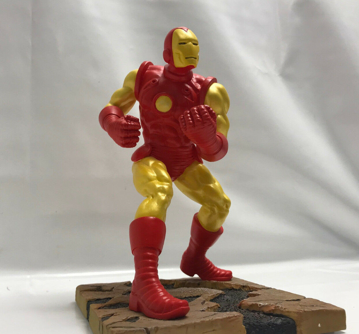 MARVEL STATUE IRON MAN EN RESINE