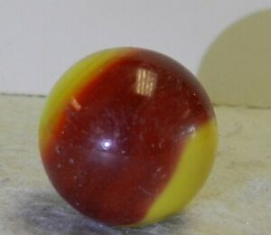 #10785m Vintage Akro Agate Corkscrew Shooter Marble .92 Inches