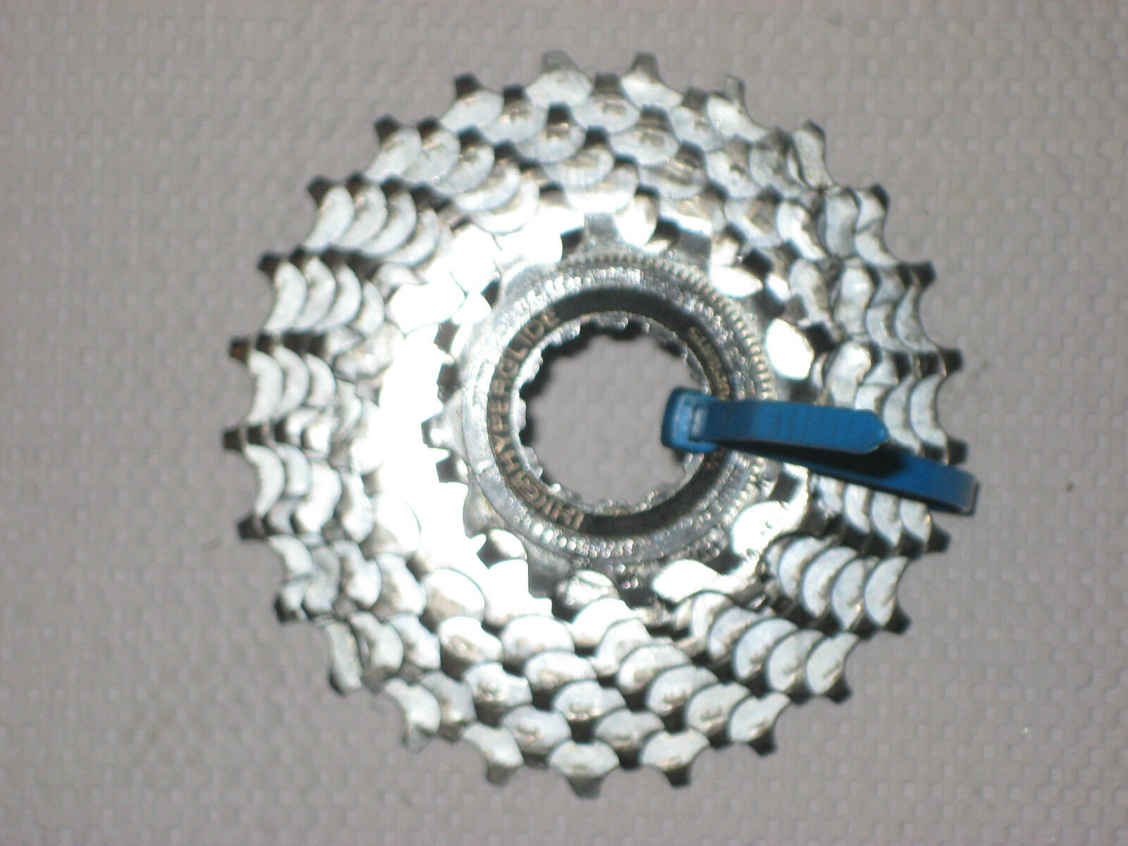 Shimano Hyperglide 8 Speed  Cassette 12-25  fast shipping worldwide