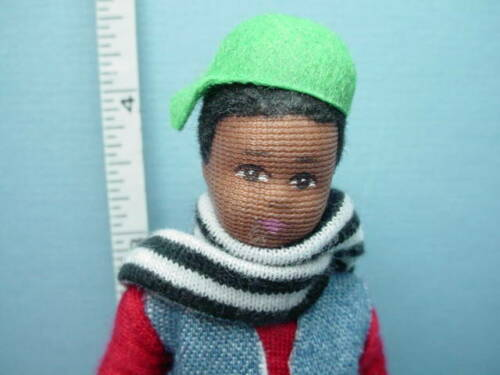 """Miniature /""""Mason/"""" #10405 Young Man Dollhouse Doll Erna Meyer 1//12th Handcrafted"""