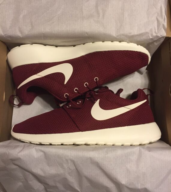 Nike Rosherun Team Red Sail 511881 610 Size 10 US