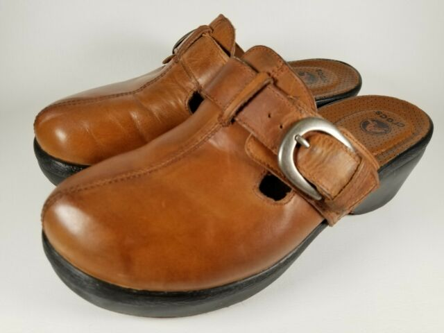 Crocs Cobbler Brown Leather Comfort Heeled  Mules/Clogs With Buckle Size 9 EUC