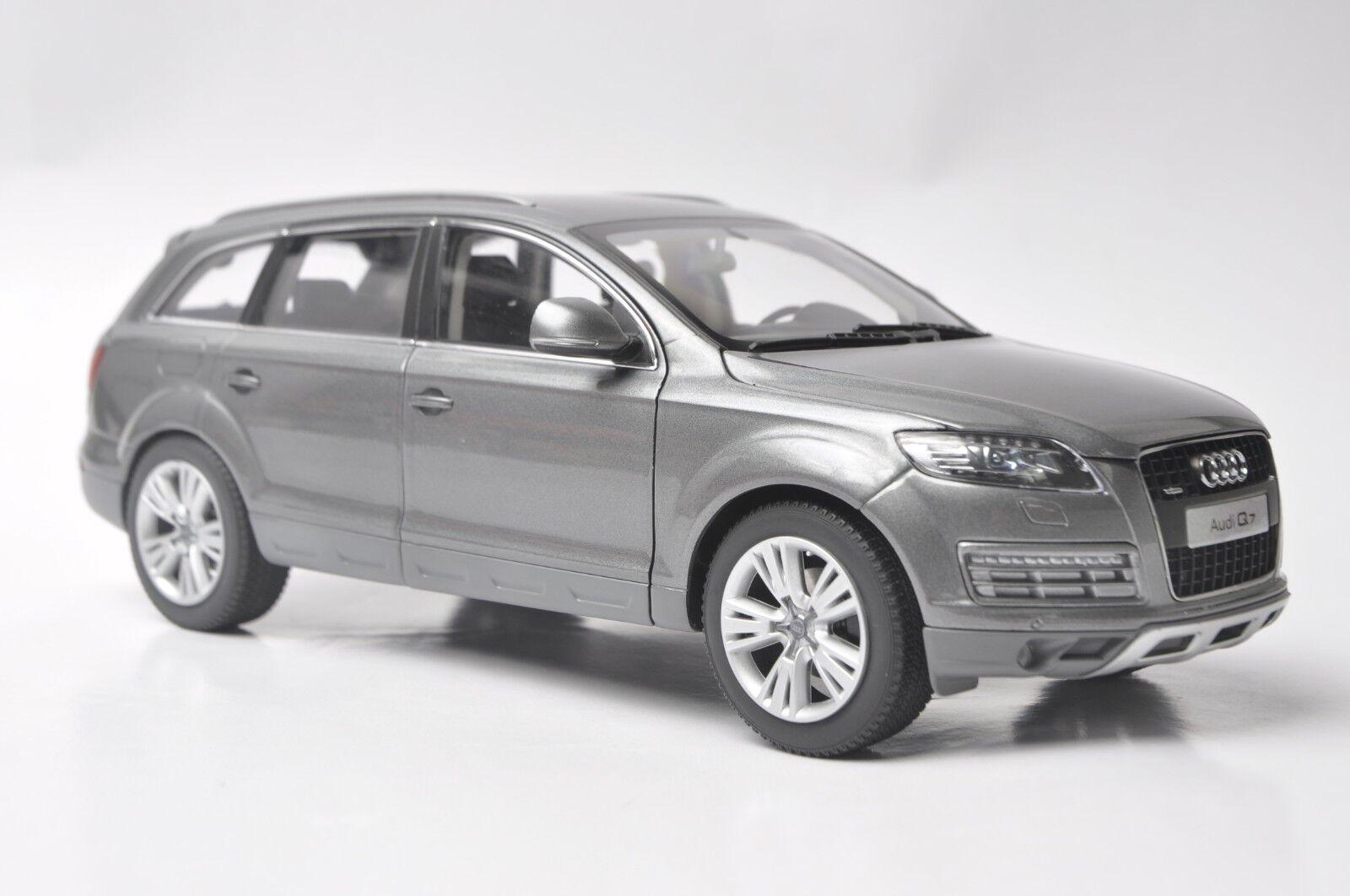 Audi q7 geländewagen - modell im maßstab 1,18 2009 graphit grau