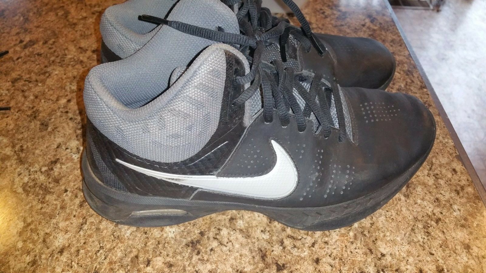Mens Used Nike visi pro 6 shoes Size 7.5 In Good Condition
