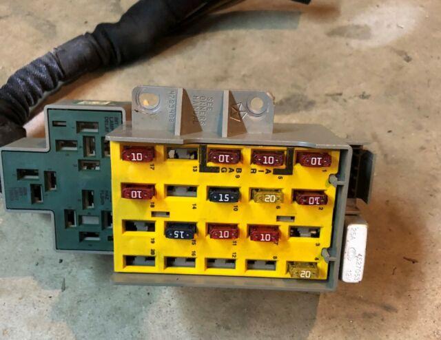 00 01 02 2001 Dodge Neon Fuse Box Under Dash 04793561am