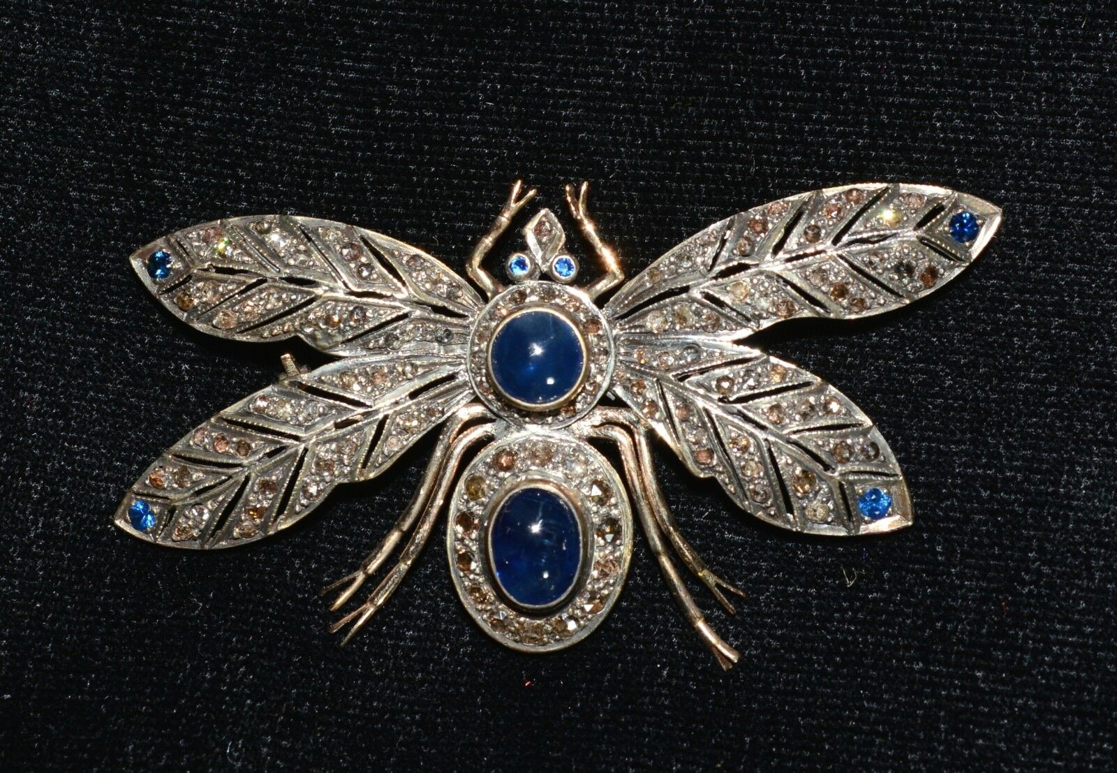 VINTAGE 14KT 12 CARATS BURMA blueE SAPPHIRE DIAMOND WASP BROOCH PIN