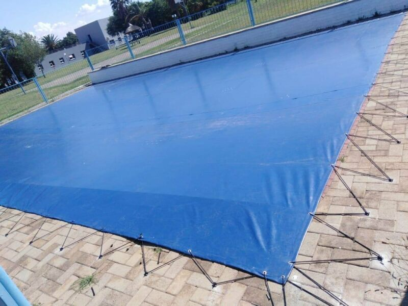 PVC-Swimming Pool-Covers-with-Hooks