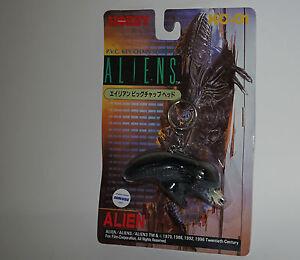 ALIENS-tsukuda-kc-01-RARO-ALIEN-LLAVERO-1997