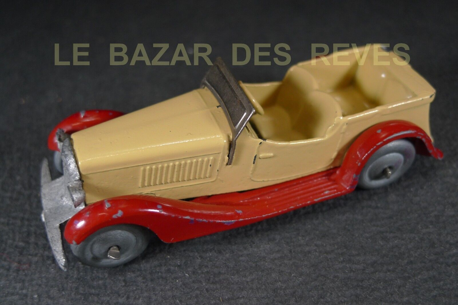 Dinky toys france. cabriolet 4 seater 24 g (1940)
