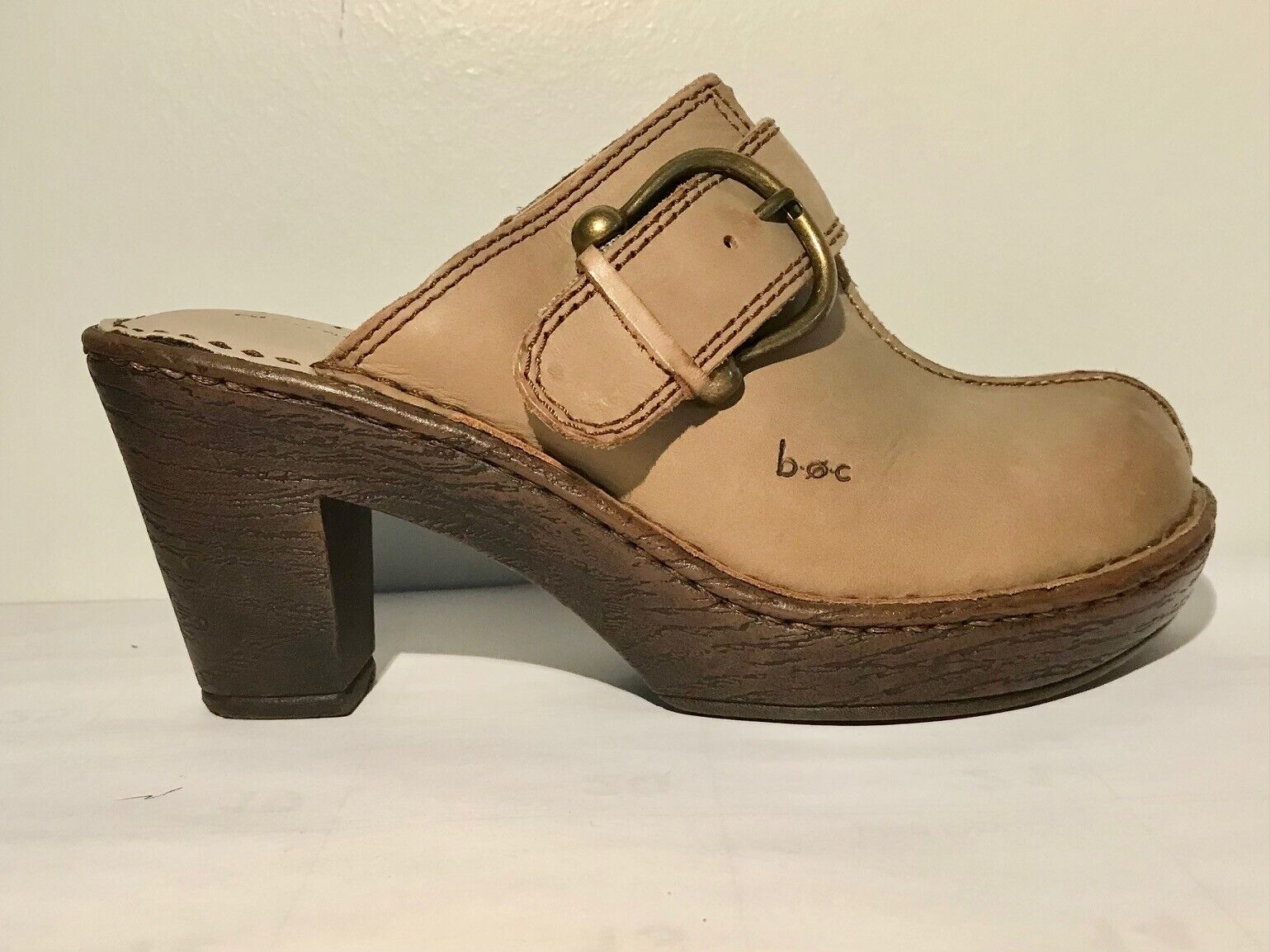 Born Leather Gray Sandals w/buckles Size 7/38 Was… - image 1