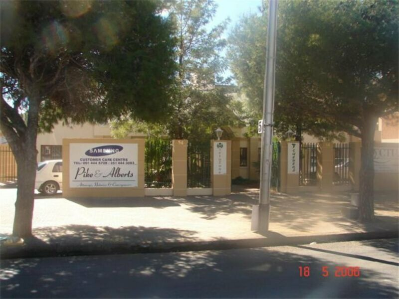 Commercial Office to Rent in Willows!
