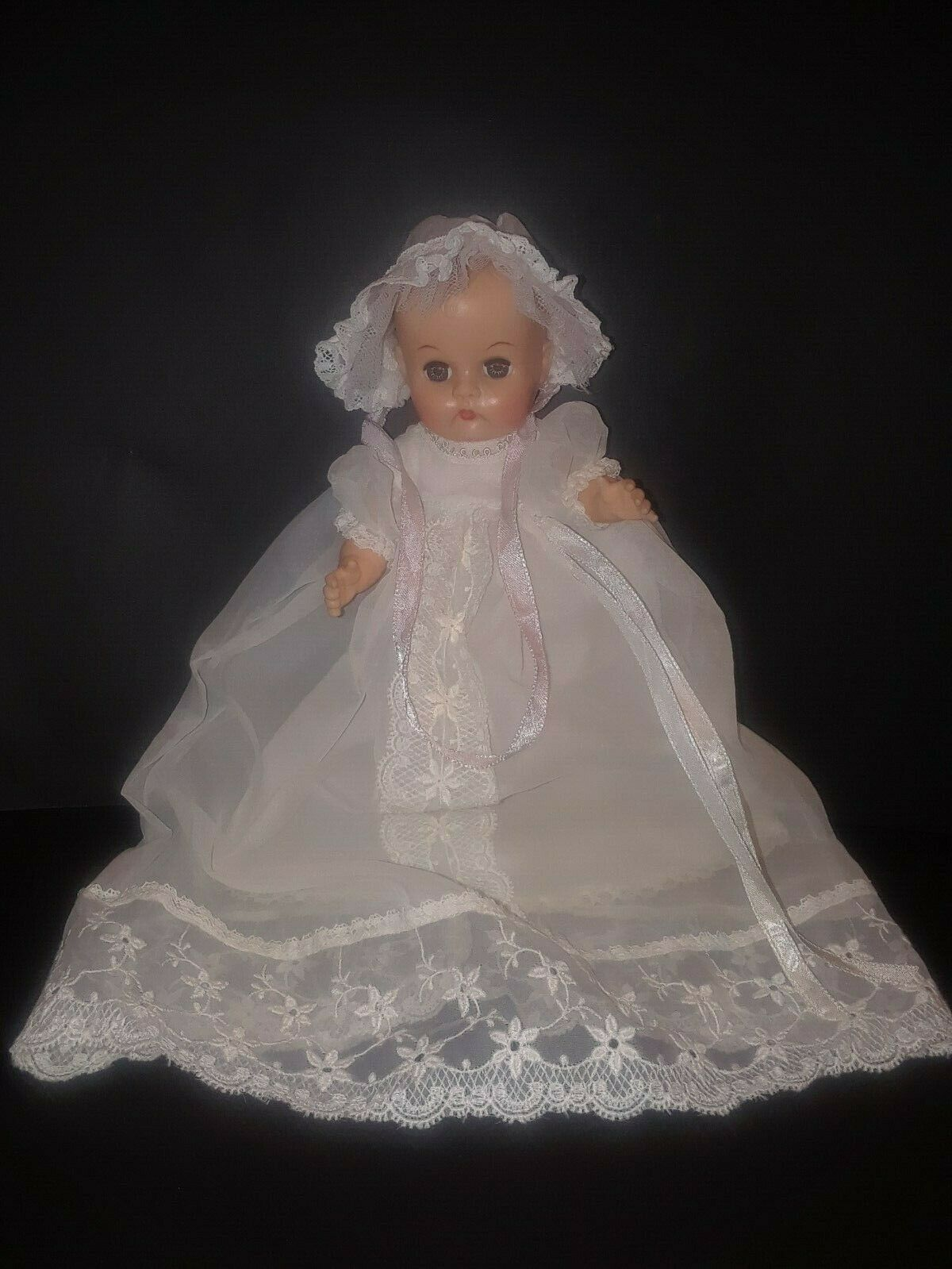 Vintage Ginnette Baby Sister of Ginny Vogue Doll Weiß Christening Gown