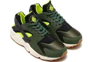 d09c55dc58c3 WMNS NIKE AIR HUARACHE RUN CARBON GREEN-BLACK SZ 5.5  634835-300
