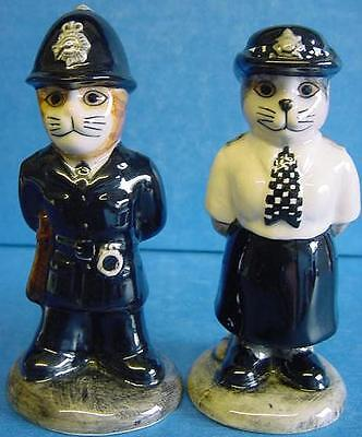 QUAIL CERAMIC POLICE POLICEMAN /& POLICEWOMAN SALT /& PEPPER CONDIMENT CRUET SET