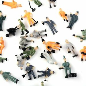 Figures HO Faller 150935 FORESTRY WORKERS One with a Chainsaw NEW