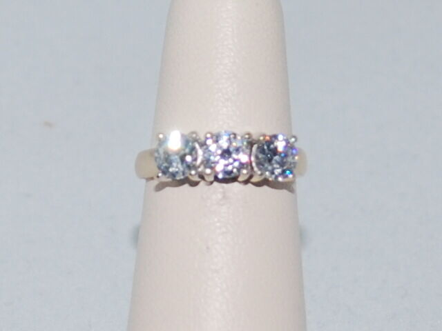 14k gold ring with CZ Diamonds