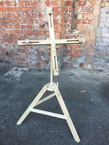 HAND-MADE-LIGHT-WOOD-CONVERTIBLE-EASEL-ART-GALLERY-PHOTO-DISPLAY-STAND