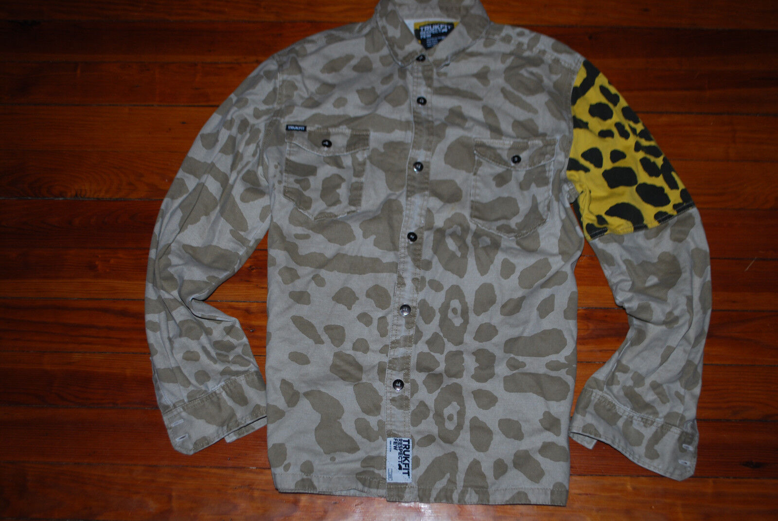 Men's TrukFit Military Cheetah Long Sleeve Button Down Shirt (Large)