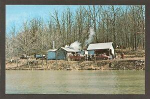 POSTCARD-PRESSLOR-MAPLE-SYRUP-CAMP-near-ROCKVILLE-PARKE-COUNTY-INDIANA-1960s