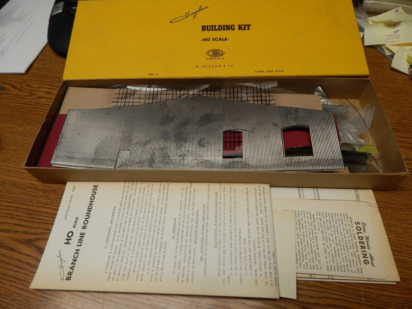 VINTAGE SUYDAM STALL ROUNDHOUSE IN CORRUGATED METAL KIT NIB UNSTARTED HO