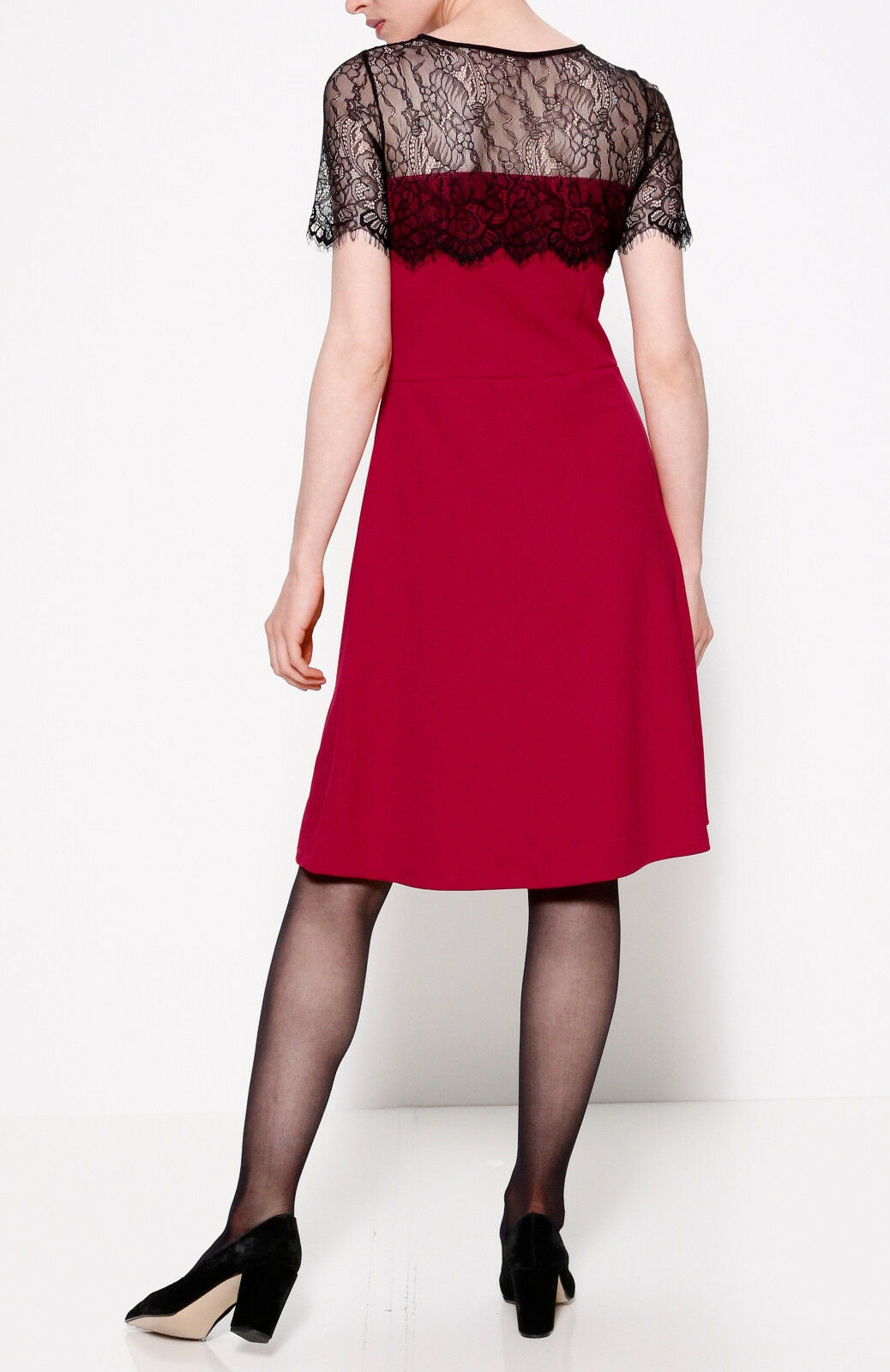 Marken Kleid red-black mit durchscheinender Spitze Gr. 46  0518188052 0518188052 0518188052 fa8c62