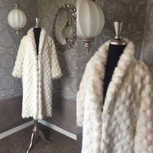 Vintage-1960-039-s-White-Faux-Fur-Winter-Coat-M-L