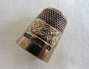 Vintage-Thimble-Silver-Hallmark-Sterling-Daisy-Rim-Royal-Spa-Sewing-HG-S-c1928