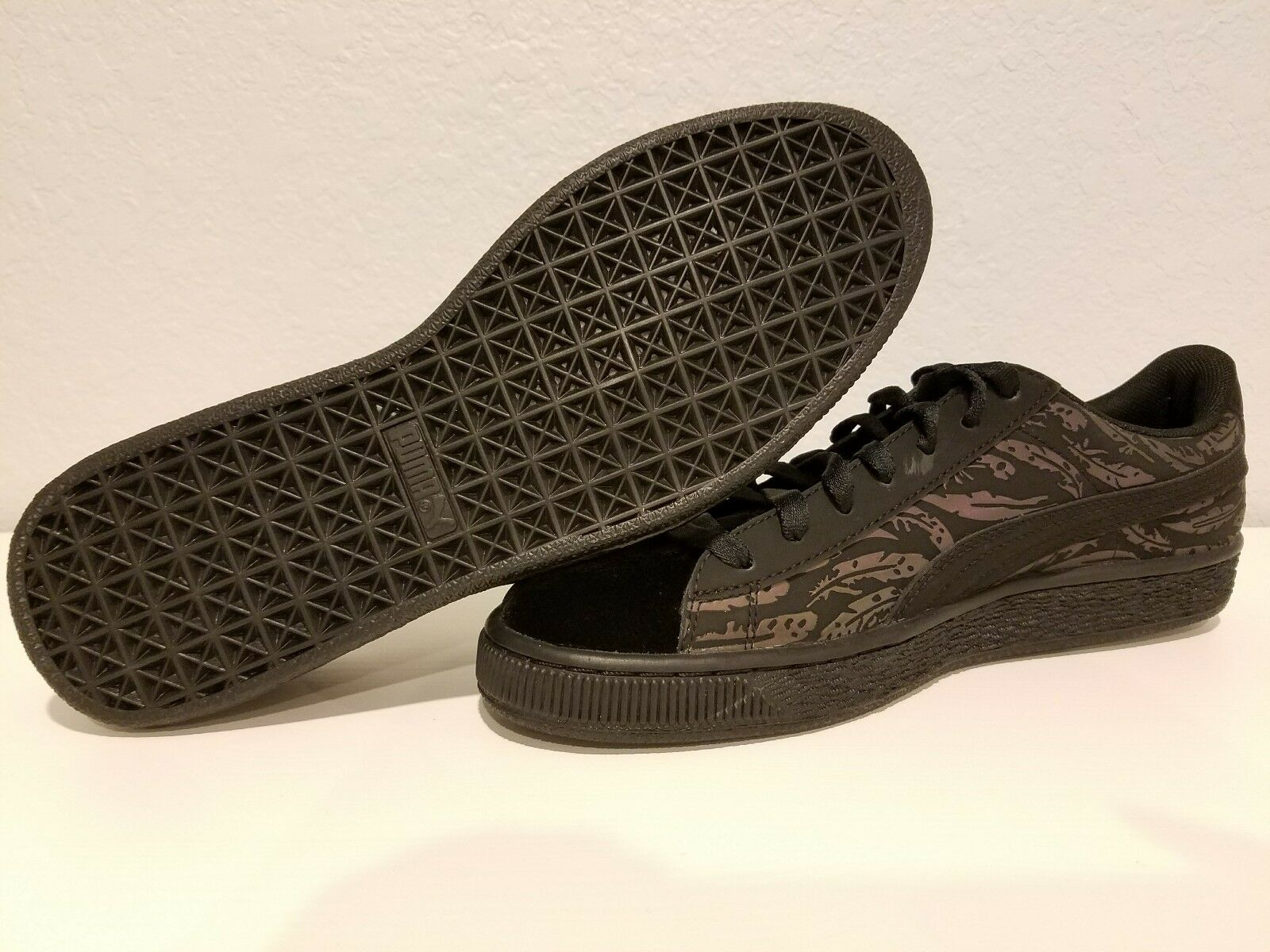 PUMA Womens Basket Swan Wns Fashion Sneaker- Size 9