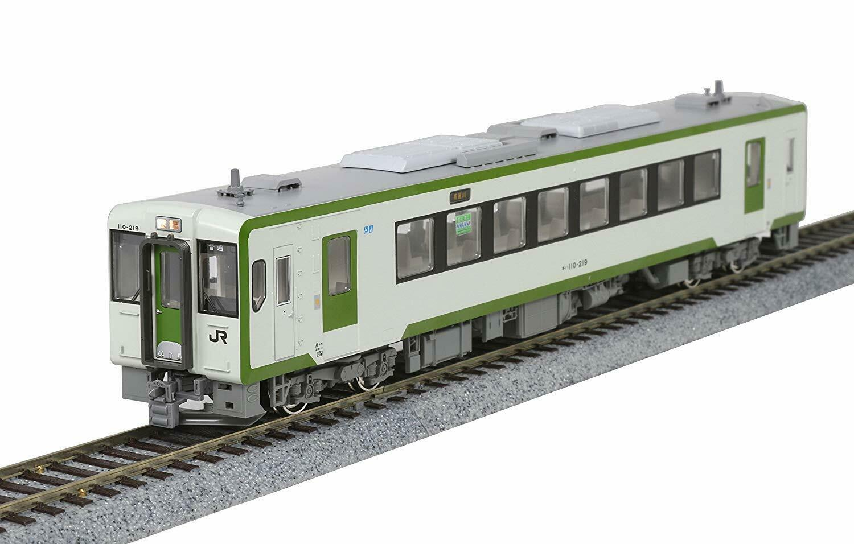 Kato 1-615 Coche Pasajeros Kiha 110-200 con Motor (Escala Ho )