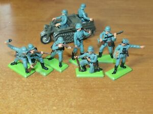 BRITAINS DEETAIL, WW2, 7 X GERMAN INFANTRY, WITH KETTENKRAD...1/32 TOY SOLDIERS.