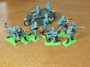 Britains Deetail, WW2, 7 x Fanteria tedesca, con KETTENKRAD... 1/32 soldatini.
