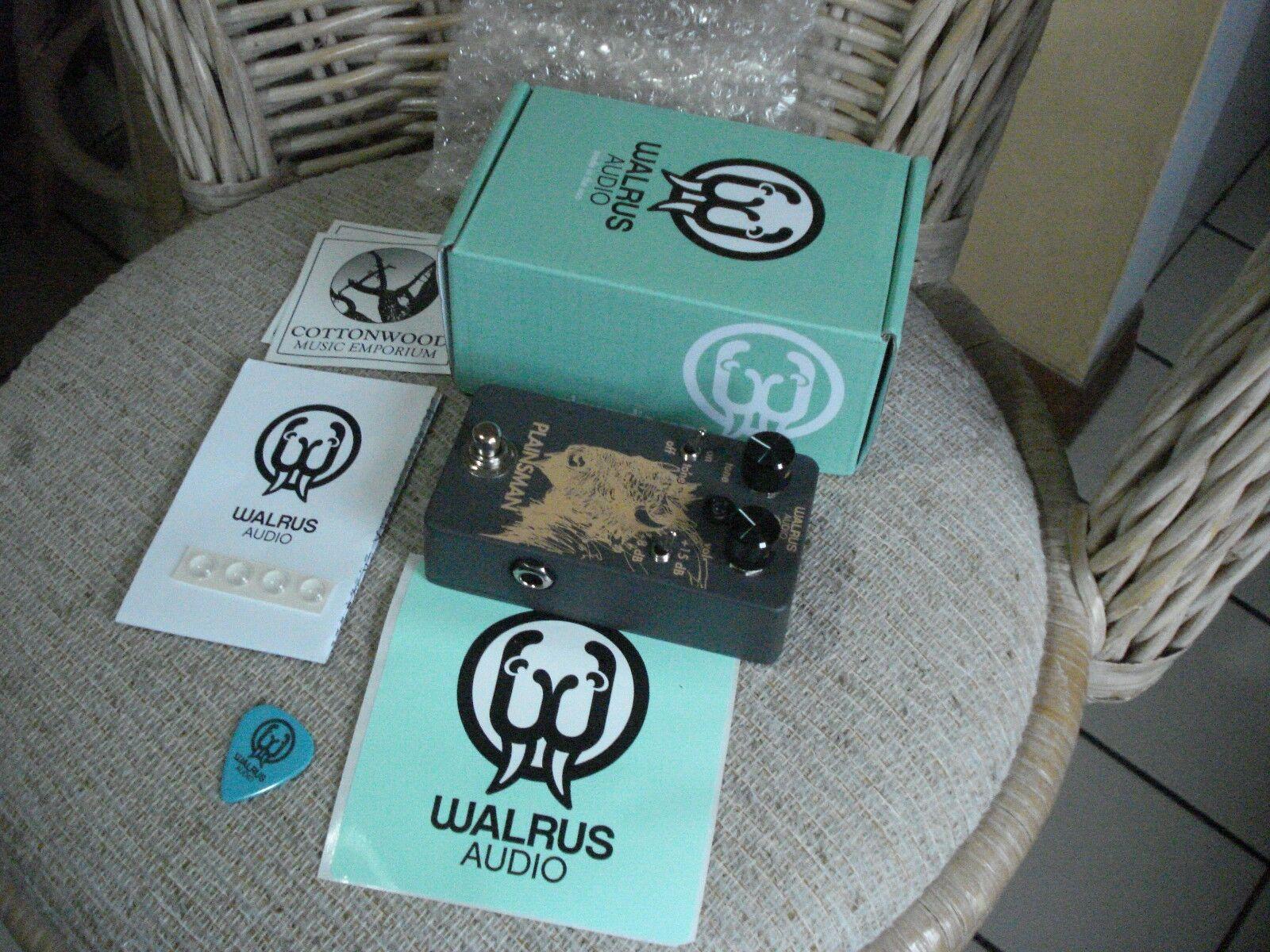 Walrus Audio Plainsman clean boost guitar pedal